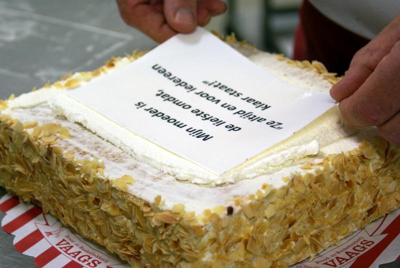 taart met tekst Gebak   Bakkerij Vaags Aalten en Winterswijk taart met tekst